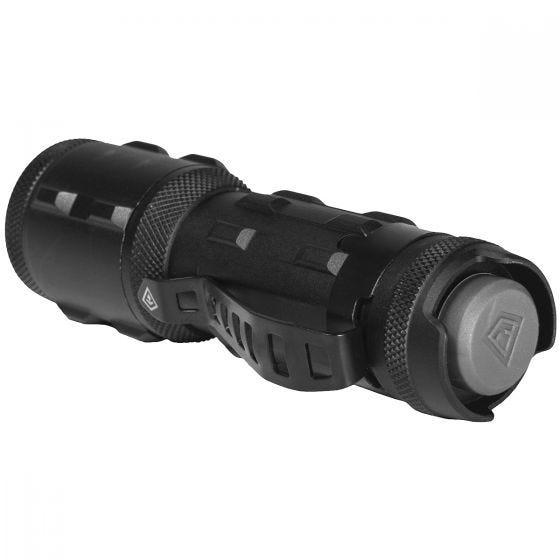 Linterna First Tactical TriTac de tamaño pequeño en negro
