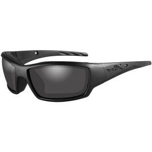Gafas Wiley X WX Tide con lentes ahumadas grises y montura Black Ops en negro mate