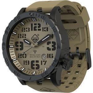 Reloj de titanio con tritio Hazard 4 Heavy Water Diver en Arid y detalles en verde y amarillo