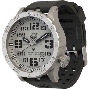 Reloj de titanio con tritio Hazard 4 Heavy Water Diver en SnowField y detalles en verde y amarillo