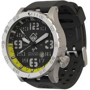 Reloj de titanio con tritio Hazard 4 Heavy Water Diver con manecilla GMT en Blacktie Yellow y detalles en verde y amarillo