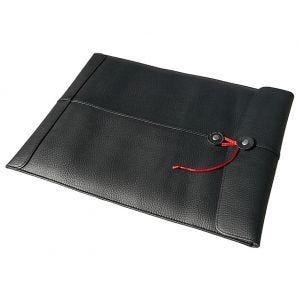"""Funda Civilian Pro Manila 15 para MacBook Air 15"""" de cuero en negro"""